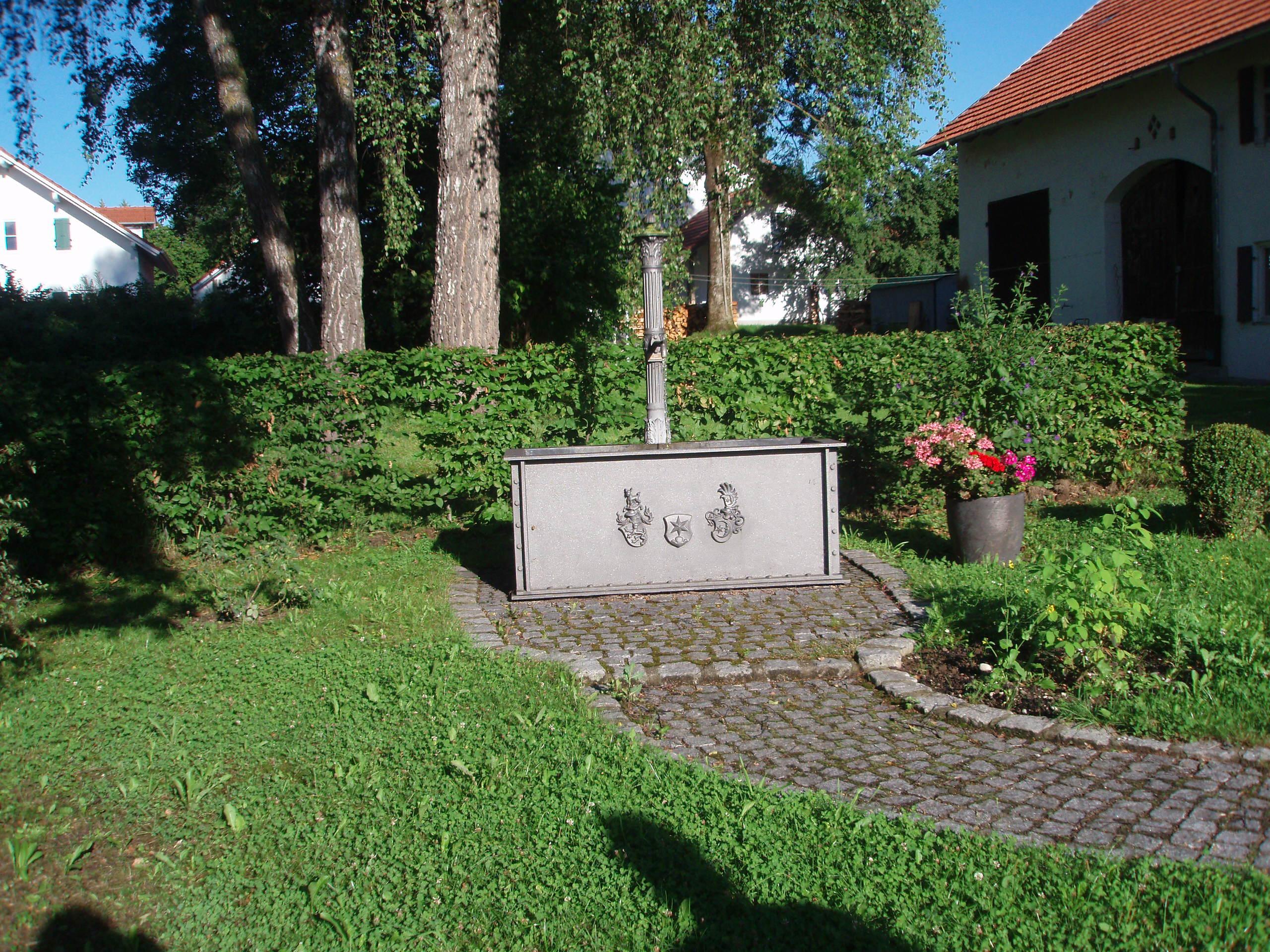 Dorfbrunnen Gutenberg