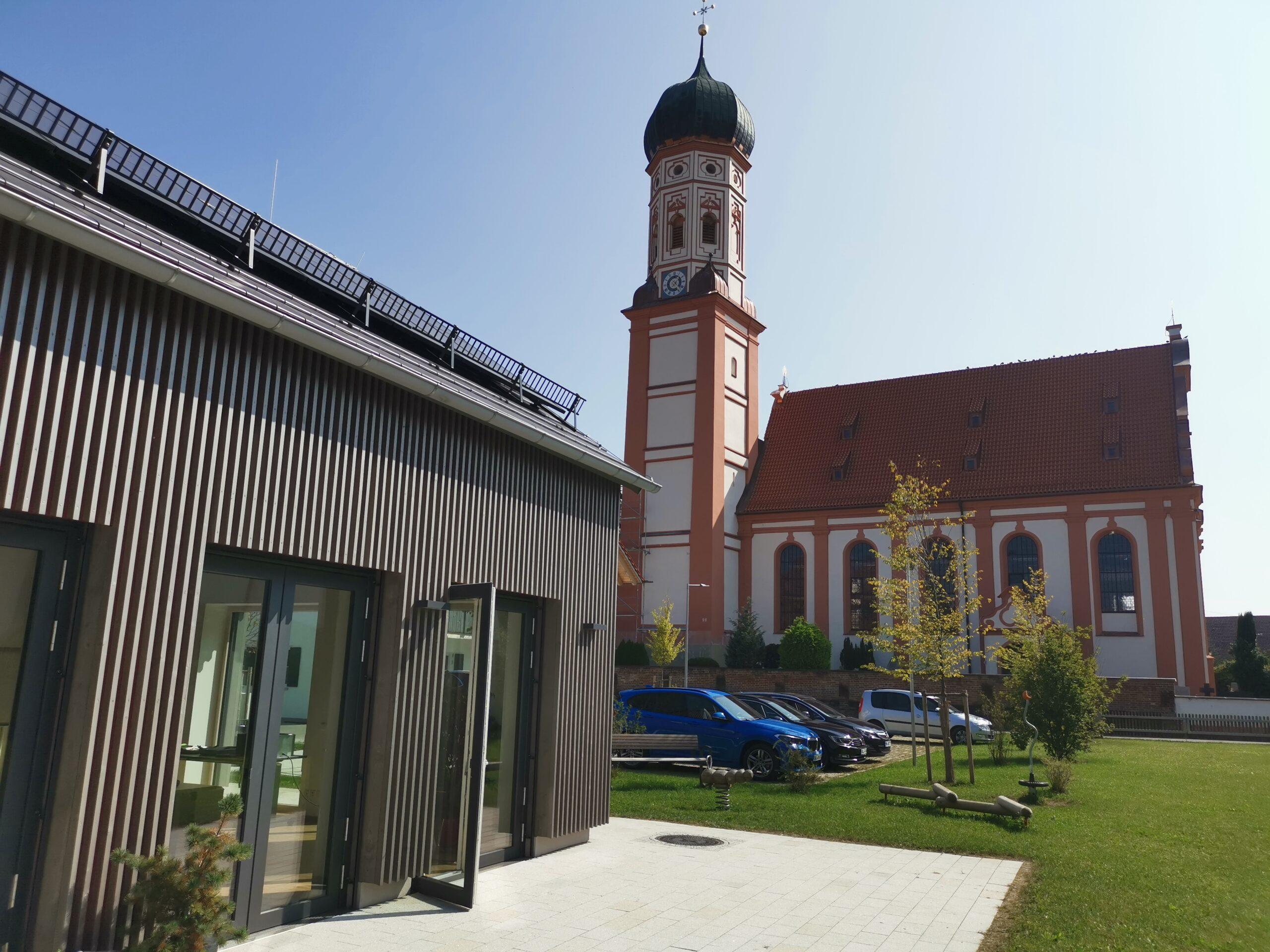Terrasse Rathaus mit Blick auf Mariä Himmelfahrt